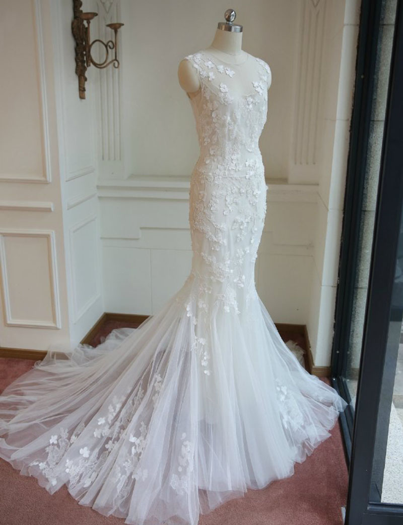 Elegant Mermaid Lace Wedding Dress.Sleeveless Applique Wedding Dress Plus Size,Ivory Wedding Dress