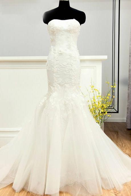 Floral Appliques Strapless Floor Length Tulle Mermaid Wedding Dress Featuring Train