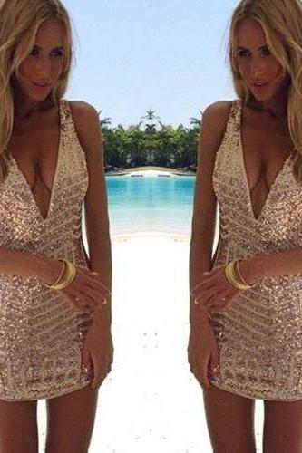 Sleeveless Short Sequins Sexy V-Neck Homecoming Dress