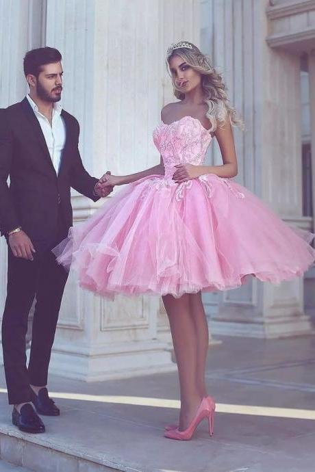 Appliues Pink Sweetheart-Neck Short Ball-Gown Homecoming Dresses