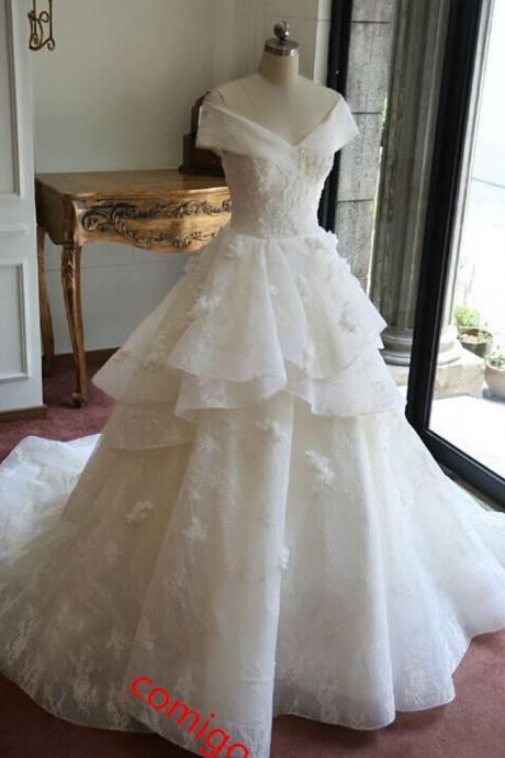 Fashionable Ball Gown Luxury Lace Real Wedding Dresses 2017 V-Neck Appliques Beaded Court Train Wedding Gowns Bride Dress