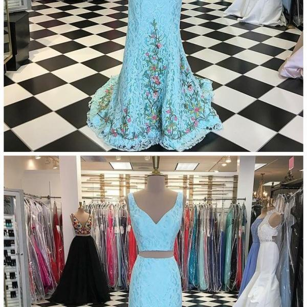 Two Piece V-Neck Sweep Train Blue Lace Prom Dress with Appliques